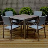 Jardin Tabouret en bois Meubles De Patio de la bière B&R de l'aluminium en rotin Chaise bistro Set de table à manger