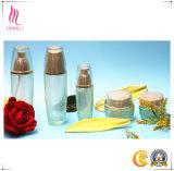Bottiglia della lozione e vaso di vetro della crema per l'imballaggio di cura di pelle
