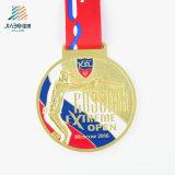 Tagliare il medaglione a stampo tagliente su ordinazione in lega di zinco del ricordo di sport del metallo della medaglia di oro con smalto molle