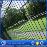 153mx1.886m PVC上塗を施してある二重ループワイヤー庭のFenceforの機密保護を使用して