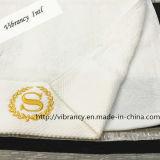 専門の贅沢な刺繍のホテルタオルの浴室タオルの卸売