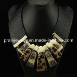 Collar de la Moda de primavera/ de la cadena de cuero negro con Dijes rectangular chapados en oro para la mujer estilo Gargantilla