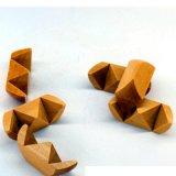 O treinamento de madeira da provocação do cérebro do enigma brinca brinquedos educacionais do cubo de Luban do fechamento de Kong Ming da forma do futebol para adultos das crianças