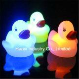 Gedruckter blinkender Gummi des Firmenzeichen-Baby-Bad-LED duckt Spielzeug