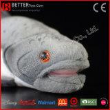 現実的な詰められたチヌックサケ柔らかい王サケのリアルなプラシ天のおもちゃの魚