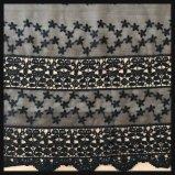 テュルの刺繍のレースの網の刺繍のレースのしまのある網の刺繍のレース