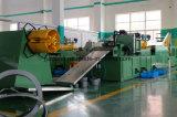 長さ機械に切られる鋼鉄コイル