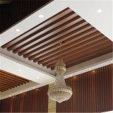 Panneau composé en plastique en bois de décoration de plafond d'intérieur des matériaux WPC