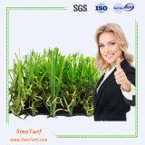 Het Kunstmatige Gras van uitstekende kwaliteit van het Gras voor het Modelleren, Decoratie, Countyard, Zaal, Hotel, Toonzaal, School, het Gras van de Familie, vult niet het Gras van het Gras, Infill Vrij Gras