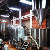 Cerveja de Homebrew que faz a máquina/equipamento