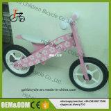 균형 자전거 또는 나무로 되는 아이들 자전거가 새로운 디자인에 의하여 농담을 한다