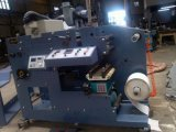 Impresora de Flexo con la estación que corta con tintas dos