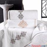 習慣によって刺繍される個人化された手タオル