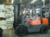 Abrazadera de papel diesel Forklfit del rodillo de la certificación del Ce de 3 toneladas