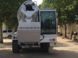 Auto che carica il camion Fiori della betoniera della betoniera