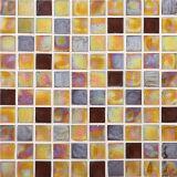 黄色いカラーモザイク壁のタイル、ガラスモザイク