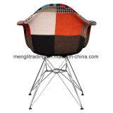 작풍에 의하여 주조되는 플라스틱 안락 의자 검정 입히는 다리 회색 세트