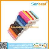 De kleurrijke Gesponnen Naaiende Draad van de Polyester op Kleine Spoelen
