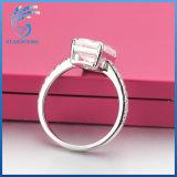 3 de Smaragd van het karaat sneed de Witte Juwelen van de Ring van de Diamant Moissanite Zilveren
