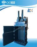 Máquina de embalaje certificada estándar de la cartulina hidráulica del Ce Vmd30-11070