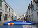 Grande piscina gonfiabile blu