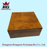 La boîte-cadeau en bois pour la montre