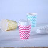 Оптовая торговля одноразовые тисненая бумага чашку кофе с крышкой