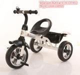 Kleines Kind-Baby spielt Kind-Metalldreiradkind-Dreirad