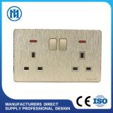 Interruttore elettrico della parete del gruppo della presa 2 del USB di disegno dell'OEM del nuovo prodotto