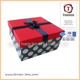 Rectángulo de regalo de empaquetado de papel de encargo al por mayor con la cinta
