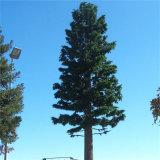 O aço galvanizou a torre camuflada telecomunicação da árvore