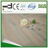Revêtement de sol stratifié à l'eau de surface 8 mm