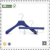 Gancho de madeira dos ganchos de revestimento da cor azul e das calças do luxo para a roupa