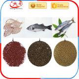 Alimentazione calda dei pesci di vendita che fa la macchina dell'espulsore del laminatoio della pallina
