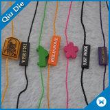 布の子供の着ることのためのかわいいロゴの札