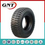 비스듬한 상업적인 트럭 타이어 (12.00-20)