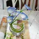 Il natale artificiale fiorisce la massa artificiale giglio di seta floreale di Calla e della Rosa del giglio di Calla per la decorazione della festa nuziale