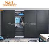 Armoire moderno del guardaroba della camera da letto di legno solido di stile dell'Australia