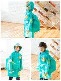 De Regenjas van studenten met Schooltassen koelt Regenjas van de Kinderen van het Kostuum van de Laag van de Regen van het Jasje van de Zak van de Regen van de Jonge geitjes van de Regenjas van Kinderen de Waterdichte
