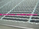 Grincement de dents de scie standard en acier noir pour plancher de plate-forme de structure en acier