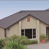 アフリカの砂上塗を施してある鋼鉄チップ石の金属の屋根瓦