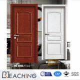Красный благоухающем курорте древесины и белого цвета слоновой кости Поднимите декоративную накладку внутренней дверью с одной спальней