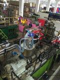 Sala de trabajo con el centro del sistema de transporte neumático para plásticos