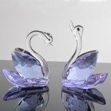 De duidelijke Zwanen van het Glas van het Kristal van de Gift van het Huwelijk van de Ambacht van het Kristal voor de Gunst van het Huwelijk
