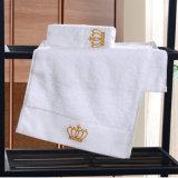 사치품 100%년 호텔을%s 면에 의하여 주문을 받아서 만들어지는 자수 목욕 수건