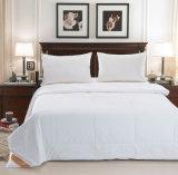 ホテルまたはホーム安い慰める人かキルトまたは羽毛布団