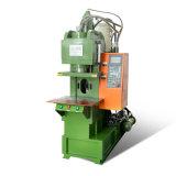 Vertical hydraulique Machine de moulage par injection de plastique avec moule fournissant