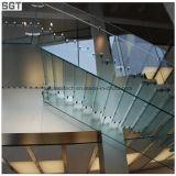 Glace personnalisée de balustrade de balustrade d'escalier durcie par espace libre inférieur de fer