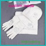 I guanti lunghi dello scialle e del cappello della sciarpa del ricamo di inverno di marchio della donna acrilico-lana del Knit, sciarpe lavorate a maglia scaldano l'insieme