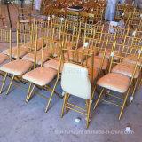 Hierro plegable la silla de Tiffany Chiavari para la boda y el acontecimiento